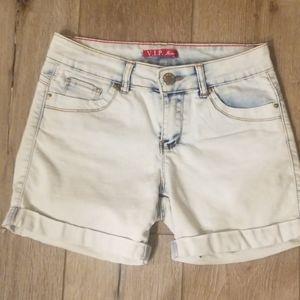 🍒 V.I.P. JEANS Jean Shorts size 1/2 (j26)